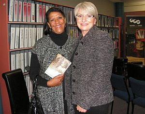 Sharyn Killens and Lindsay Lewis at Cowra Library